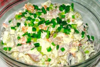 Салат «Прибой» с селедочкой: простой и очень вкусный