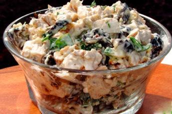 Салат с курицей и черносливом: идеальное сочетание