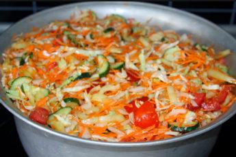 Вкуснейший салат на зиму — готовлю каждый год и всегда мало!
