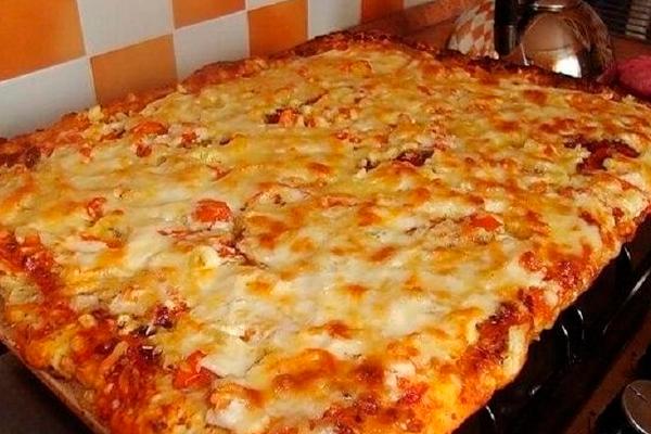 Быстрая пицца на противне: находка для тех, кому лень готовить!