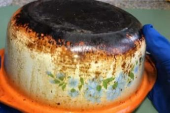 Как удалить сильный нагар без вреда для посуды