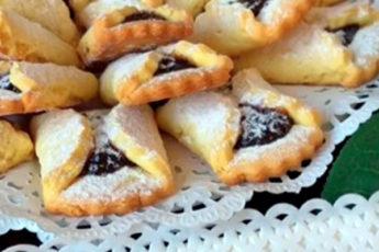 Вкуснющее песочное печенье с начинкой из варенья — прекрасное угощение к теплому семейному чаепитию