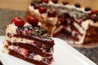 """Торт """"Черный лес"""": легкая и вкусная выпечка"""