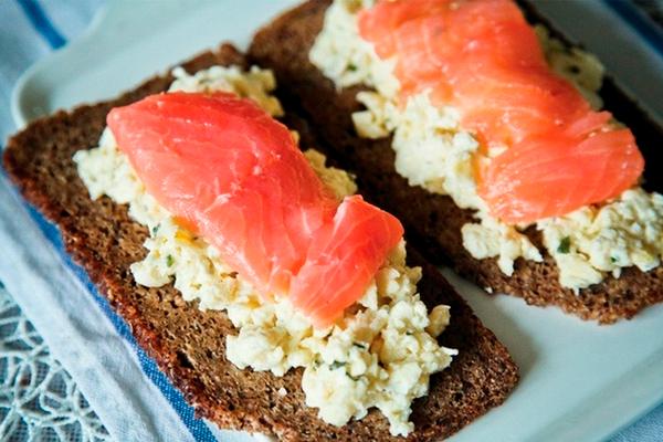 Вкусно и полезно: скандинавские бутерброды на завтрак