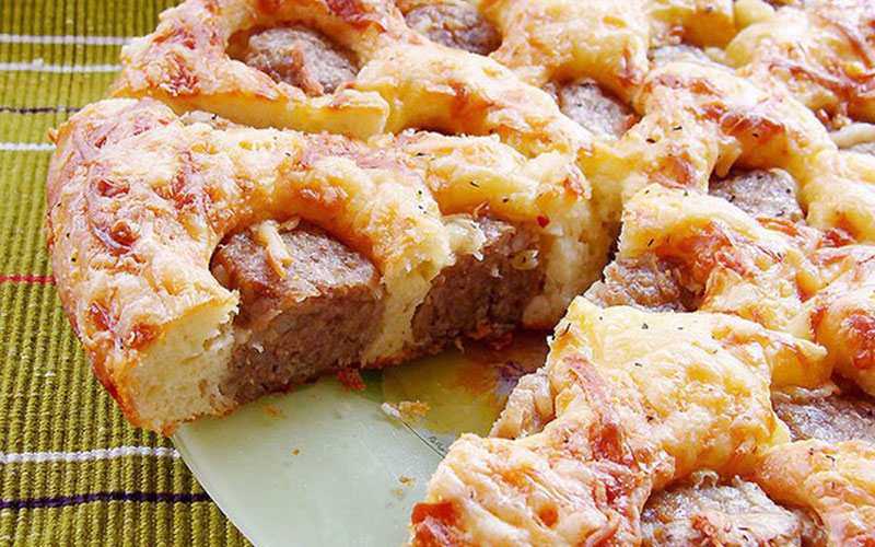 Пирог с фрикадельками: очень вкусный и сытный