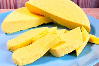 Готовим сыр круче, чем в магазине, всего за 30 минут и из четырех ингредиентов