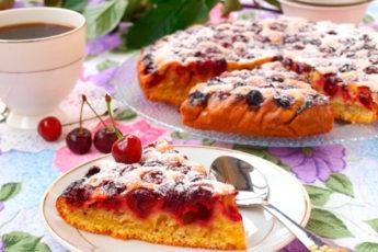 Вкусный вишневый пирог. Готовится быстро и просто