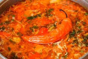 Вкусный как харчо и солянка: вкусный мясной суп за 20 минут!