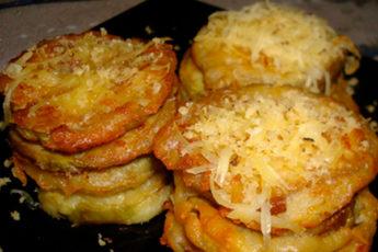 Баклажаны в кляре с сыром: так готовит моя подруга, когда ждет гостей