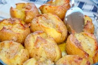 Очень вкусный и ароматный картофель, запеченный по особому