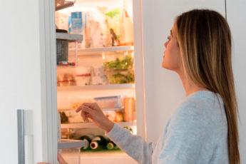 Как навсегда убрать неприятный запах из холодильника