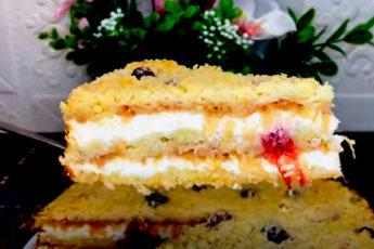 Нежный насыпной пирог с творогом и яблоками
