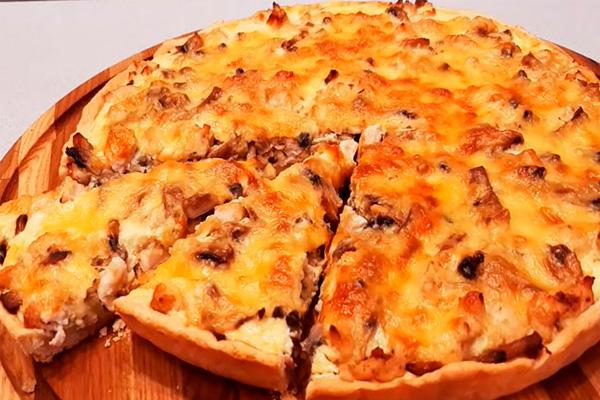 Сочная начинка и хрустящее тонкое тесто: вкусный пирог Лоранский