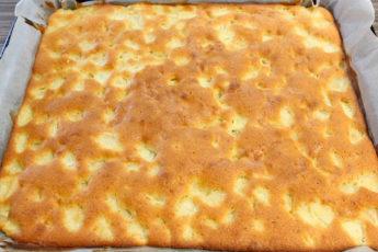 Мега вкусный сдобный пирог с яблоками для семейного чаепития