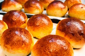 Мягкие и пышные сдобные булочки