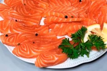Экспресс рецепт приготовления малосольной красной рыбы за 15 минут